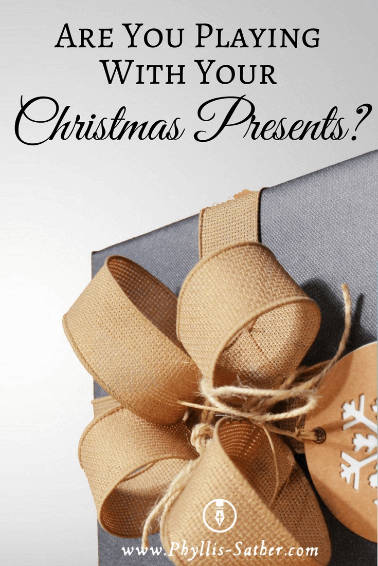 I often have difficulty coming up with gift ideas, especially since I tend to be very frugal, especially with myself.  My family knows that the bargain is part of my gift, as you will see in this post, The Presentation is Everything.